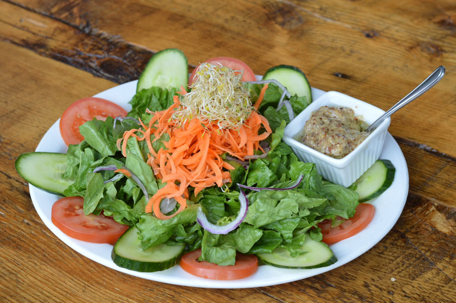 American salad Cafe Pave Montreal